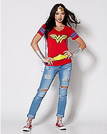 Wonder Woman Cape T Shirt - DC Comics