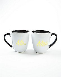 15 oz Black and White Mr. and Mrs. Mugs 2 Pack